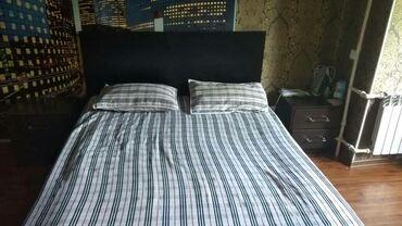 спальные кровати с матрасами в Кыргызстан: ПРОДАЮ СПАЛЬНЫЙ ГАРНИТУР: ДВУСПАЛЬНАЯ КРОВАТЬ С ТУМБАМИ,С МАТРАСОМ В