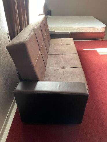Срочно продам диван раскладной, состояние отличное. Срочная цена 6000!