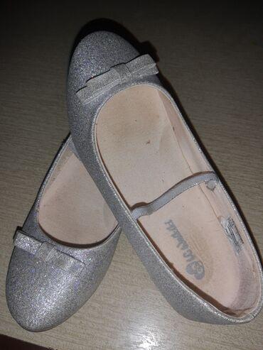 Dečije Cipele i Čizme - Plandište: Waikiki baletanke,32,kupljene i obuvene po kuci,cena 1000 moze
