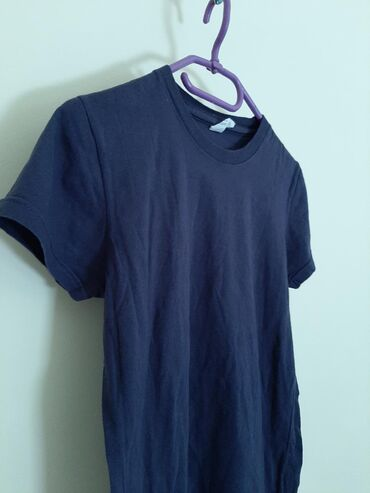 Teget zenska majica obična. Vel S. Ugodan materijal, pamucan sa