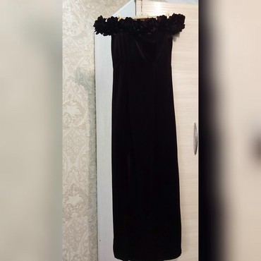 вечернее платье до колен в Кыргызстан: Продаётся чёрное, вечернее платье, тонко-бархатный, сидит идеально. С