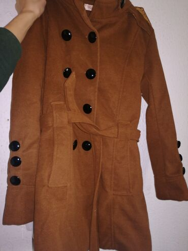 Ženski kaput veličine S, potpuno nov