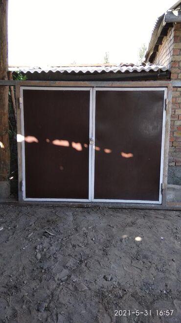 ВоротаРама сделана из швеллера шириной-18см толстостенный.Общая длина