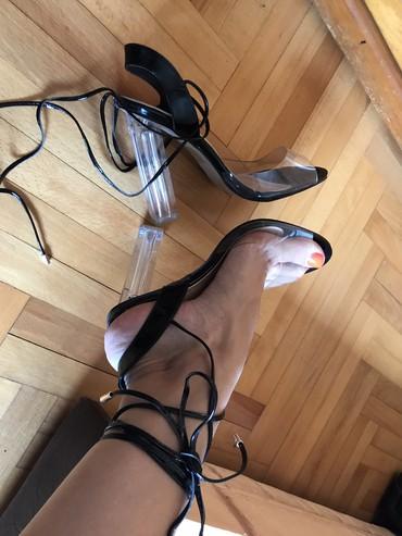 Crne sandale broj 39-40 nesto izmedju,sa providnom stiklom jednom - Belgrade