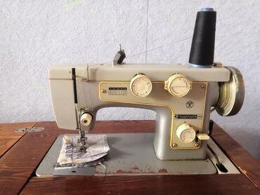 Продаю рабочую швейную машинку ПОДОЛЬСК 142 с электроприводом и