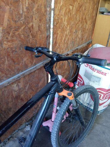 Спорт и хобби - Пригородное: Продаю велосипед алиминовый рама 17