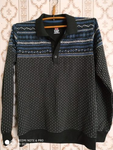 Продаю мужской свитер с воротником в Бишкек