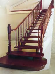 чердачные складные лестницы в Кыргызстан: Реставрация лестниц дверей.мебели.а так же изготовление