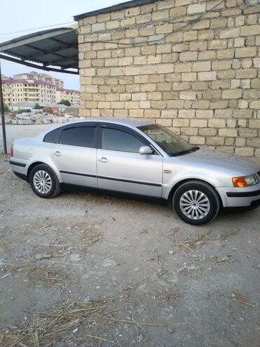 Volkswagen - Azərbaycan: Volkswagen Passat 1.6 l. 1999   135 km