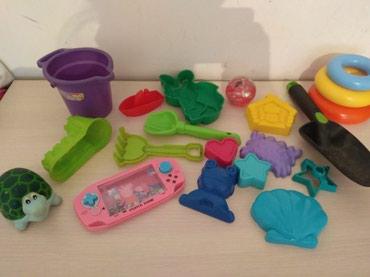 Всё отдам за 200с игрушки для песочницы в Бишкек