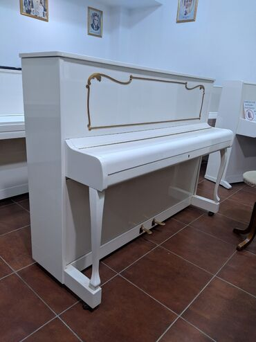 Bakida Almaniya İstehsali Piano satilir.Catdirilma ilə.Alət tam