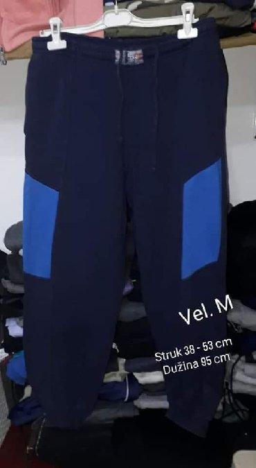 Muška odeća | Leskovac: Trenerka vel. M kvalitetna