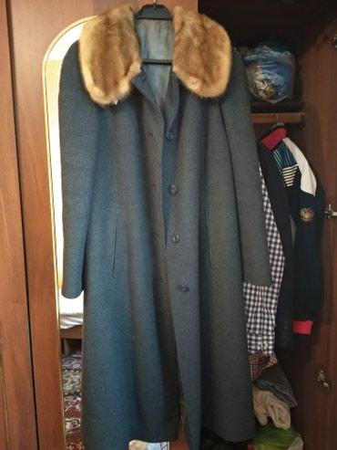 Продаю зимнее пальто драповое воротник норковый размер Л в Бишкек