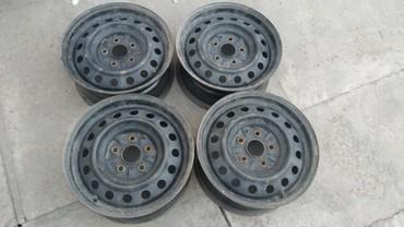 колпак на диски в Кыргызстан: Продаю железные диски 15 размер, комплект . В отличном состоянии. 4500
