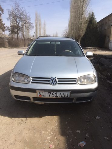 Volkswagen Golf 2001 в Кербен