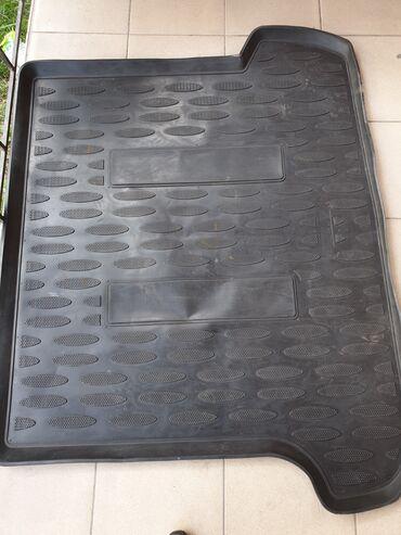 Резиновый оригинальный коврик на Lexus GX470 Состояние очень хорошее
