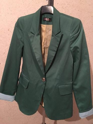 Пиджак зеленный, размер М в Бишкек