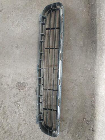 Автозапчасти и аксессуары - Джал мкр (в т.ч. Верхний, Нижний, Средний): Нижняя решетка на камри 40