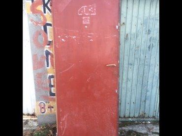 Jako dobro napravljena sigurnosna vrata sa ragastoom. Teska , masivna - Beograd