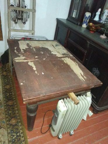 Продаю старинный стол