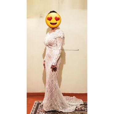 Продаю свадебное вечернее платье, цвет белый размер 42-44 покупала в