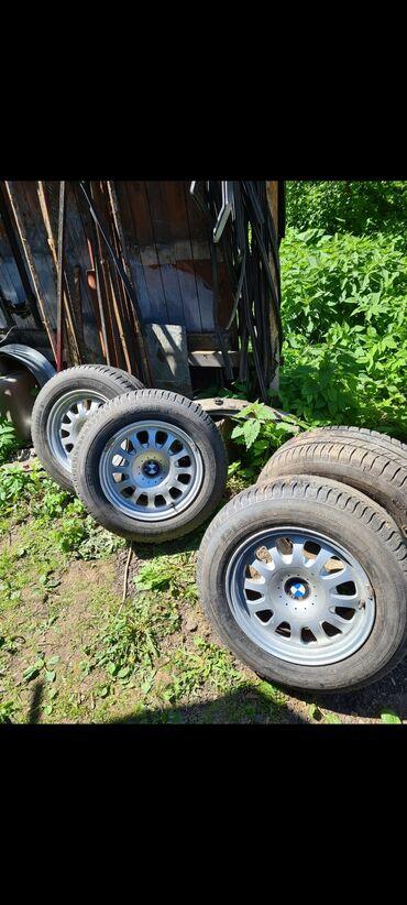 Транспорт - Майлуу-Суу: Диски BMW шинами  подойдут для портера