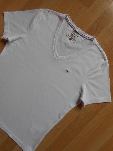 Muška odeća   Becej: Tommy Hilfiger majica M Besprekorno očuvana, kratko nošena, bez ikakvi