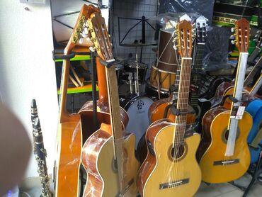 gitara klassik - Azərbaycan: Klassik gitara 4 4 olcude teze pakofqada fisman Ekvalazerli