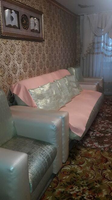 713 объявлений: Продаю диван добротный,мягкий и 2 кресла,качественый