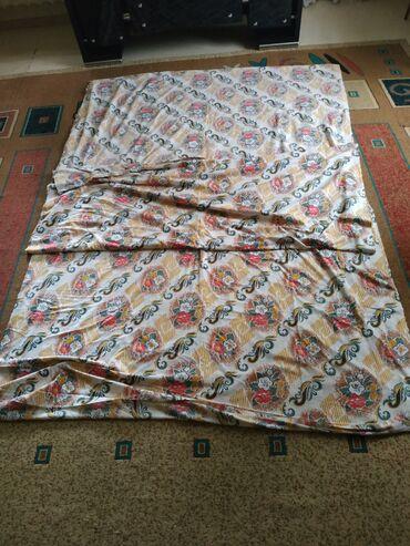 Шторы и жалюзи в Кыргызстан: Продаю портьерную ткань тонкая х/б длинна 19 м Ширина 170см Цена за 1
