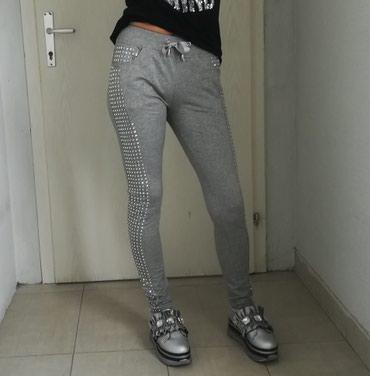 Predivne pantalone sa nitnama Vel M Veliko snizenje  - Batajnica