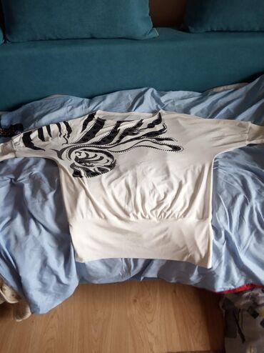 Футболки - Кыргызстан: Блузка-футболка,фирма Басик,турция,дорогая.В хорошем состоянии.Большой