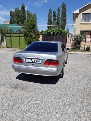 Автомобили в Бишкек: Mercedes-Benz E 320 3.2 л. 2001 | 154 км