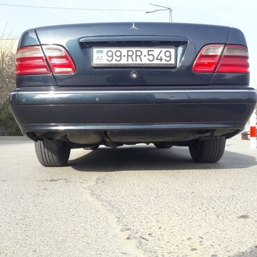 Mercedes-Benz 260 2.6 l. 2002 | 300126 km