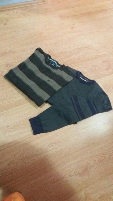 Muški đžemper i veličine L - Svilajnac