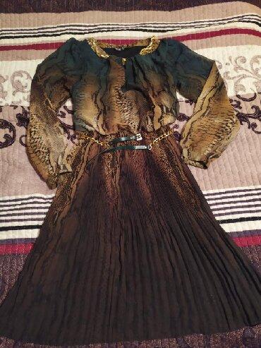 длинные шифоновые платья с рукавами в Кыргызстан: Платье шифоновое состояние нового. Длинна чуть ниже колена размер