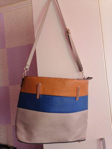 Predivna velika kožna torba kupljena u Italiji. Sivo, plava braon
