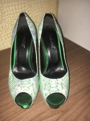 Туфли 39 размер нормальном состоянии дорогая обувь