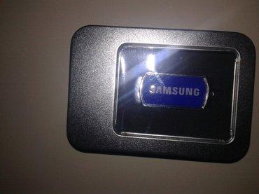 Bakı şəhərində Teze 8 gb samsungun original flash karti