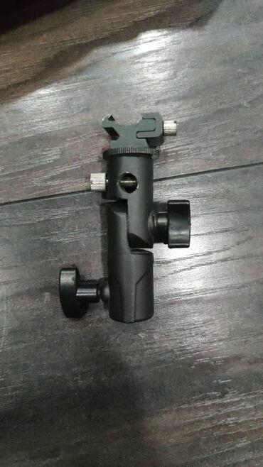 Продаю металлическое крепление godox для вспышки с изменяемым углом на