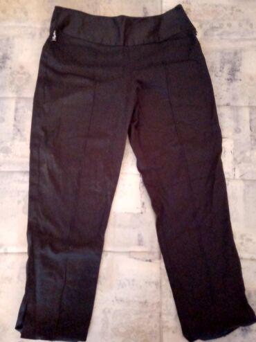 Crne kratke pantalone br 38