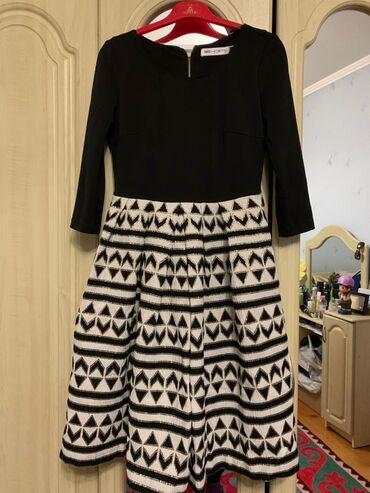 черное платье вышитое бисером в Кыргызстан: Черное платье S размер Бежевое платье 44 размер Белый пиджак 38