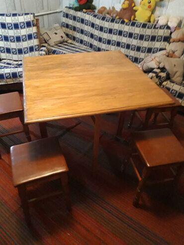 Продаю из натурального дерева (сосна) раскладной стол и 4 стула