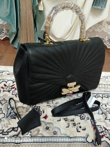 шикарное маленькое черное платье в Кыргызстан: НОВАЯ!! Для модницшикарная сумка Гуччи Очень вместительная внутри
