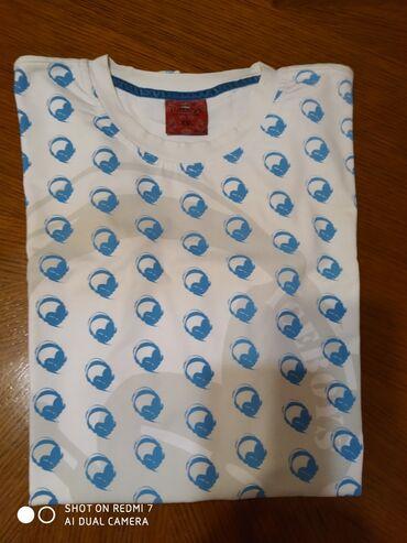 Muska majca xxl - Srbija: Muska potpuno nova moderna majica sa slusalicama, xxl