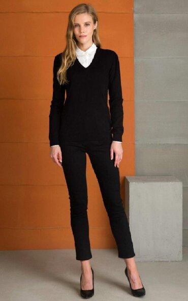 В наличии свитер от Pierre Cardine,оригинал 100%,размеры S
