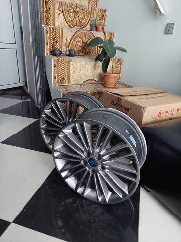 kişi üçün yaz üst geyimləri in Azərbaycan | PLAŞLAR: Ford Fusion R18 18-lik diskEla vezyetdedir az istifade olunub