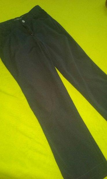 Beneton pantalone  vel.10/11.    - Nis