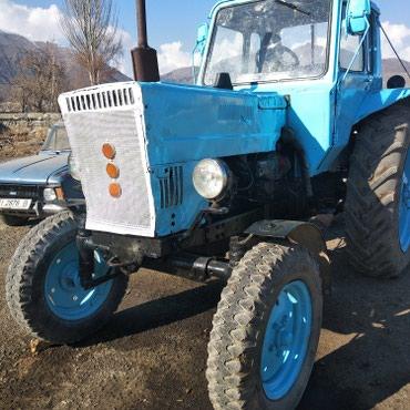 Срочно продаю трактор МТЗ 80 1990 мала, плуг,боковые грабли в Бишкек