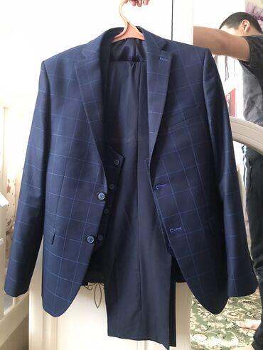 Продаю классический костюм. Размер: 48. Производство: Турция. Одевали